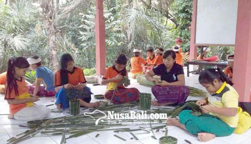 www.nusabali.com-desa-pesedahan-gelar-pasraman-selama-21-hari