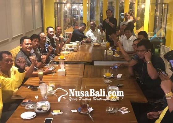 Nusabali.com - para-senior-golkar-badung-siap-puputan-bela-muntra