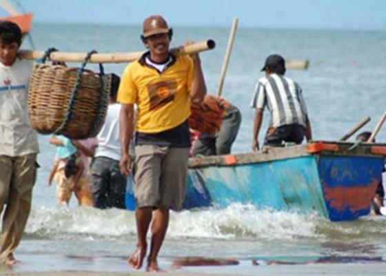 Nusabali.com - badung-bantu-dua-kelompok-nelayan