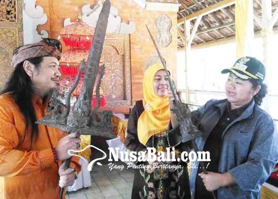 Nusabali.com - pameran-keris-pusaka-di-puri-gede-karangasem