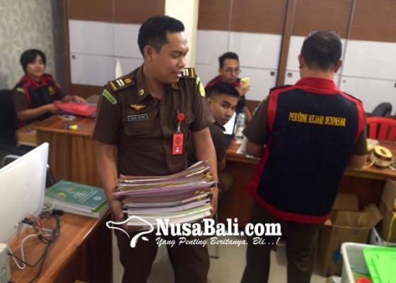 Nusabali.com - 3-pejabat-desa-dibidik-jadi-tersangka