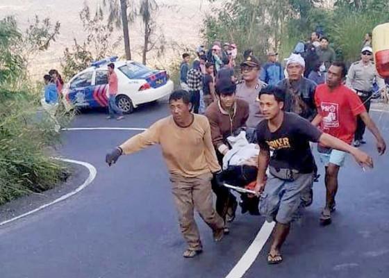 Nusabali.com - rem-blong-peserta-kemping-terjatuh-ke-jurang