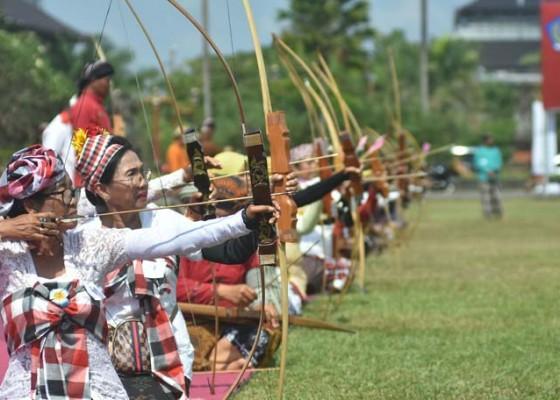 Nusabali.com - lomba-panahan-tradisional-gladen-ageng-patrasipala-diikuti-105-peserta
