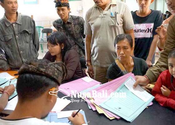 Nusabali.com - disdukcapil-kewalahan-cetak-kia