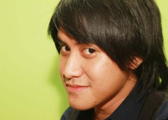 Nusabali.com - kevin-aprilio-tak-akur-dengan-vokalisnya