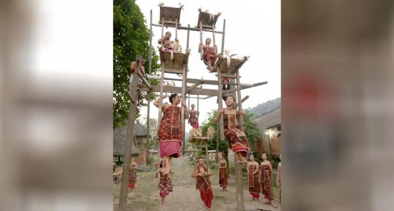 www.nusabali.com-tradisi-ayunan-desa-tenganan-pegringsingan