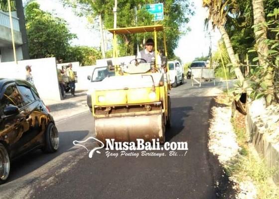 Nusabali.com - perbaikan-jalan-darmawangsa-kuta-selatan-dikebut