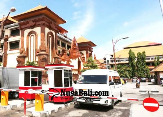 Nusabali.com - pd-pasar-target-terapkan-e-parkir-di-seluruh-pasar-kota-denpasar