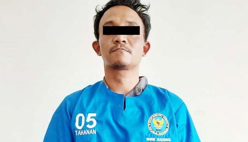 www.nusabali.com-edarkan-shabu-peternak-babi-diringkus-di-kandang