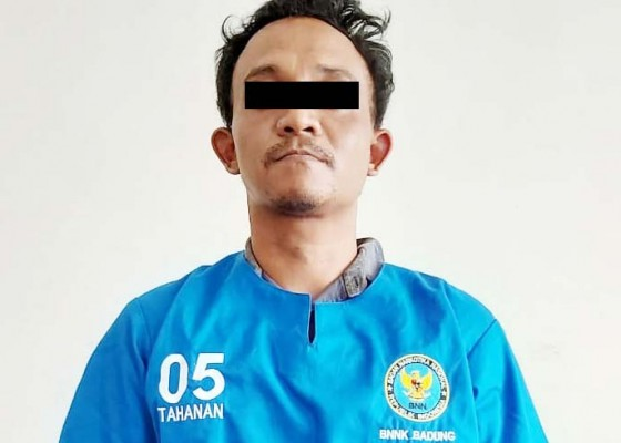Nusabali.com - edarkan-shabu-peternak-babi-diringkus-di-kandang