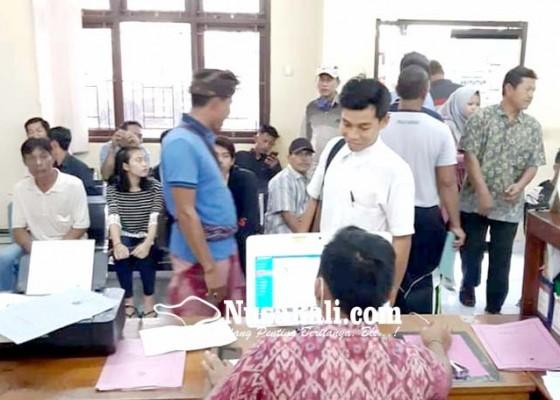 Nusabali.com - pencetakan-e-ktp-di-jembrana-terkendala-pasokan-blangko