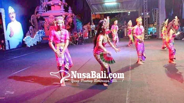 www.nusabali.com-siswa-slb-menari-dengan-bahasa-isyarat