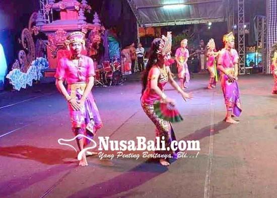 Nusabali.com - siswa-slb-menari-dengan-bahasa-isyarat