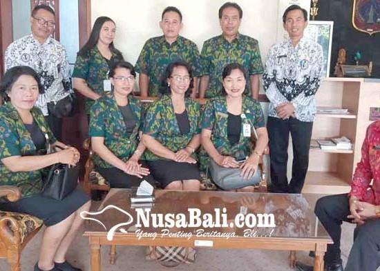 Nusabali.com - empat-guru-asal-karangasem-diundang-ke-istana-negara