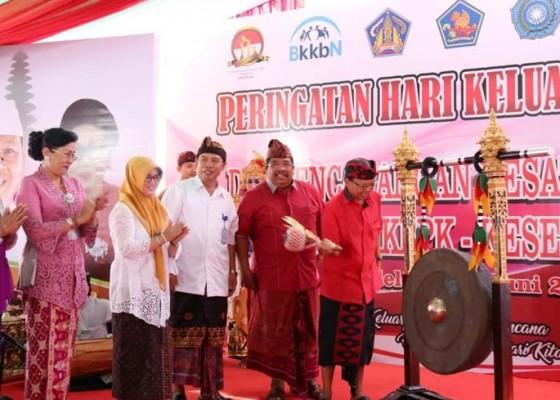 Nusabali.com - koster-imbau-pengantin-baru-miliki-4-anak