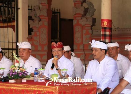 Nusabali.com - penujanji-kampanye-saat-pilgub-2018-koster-ngopi-bareng-dengan-krama-jabapura