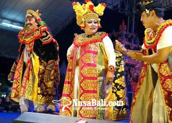 Nusabali.com - pentas-arja-bupati-mas-sumatri-perankan-manteri-buduh