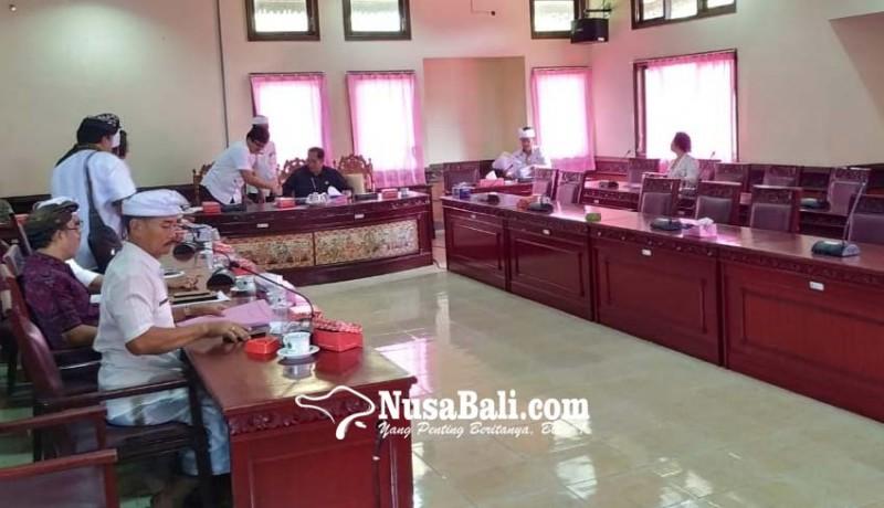 www.nusabali.com-rapat-pansus-cuma-dihadiri-satu-dewan