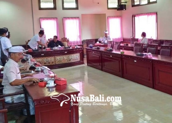 Nusabali.com - rapat-pansus-cuma-dihadiri-satu-dewan