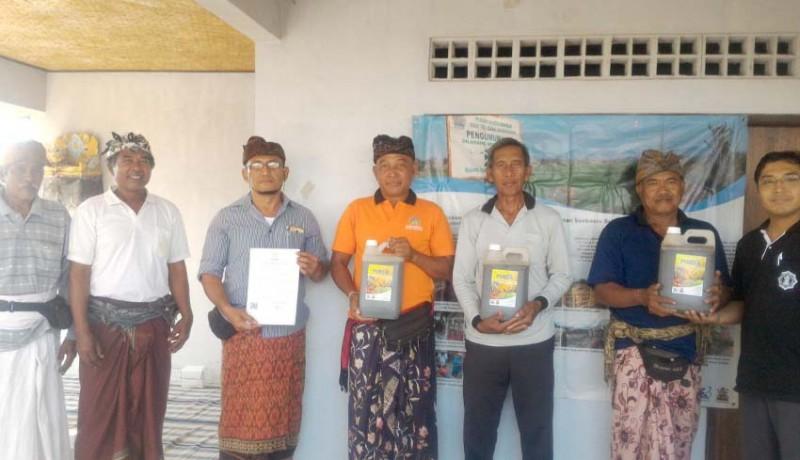 www.nusabali.com-lestarikan-subak-desa-adat-anggabaya-unmas-denpasar-dorong-penggunaan-pupuk-organik-cair