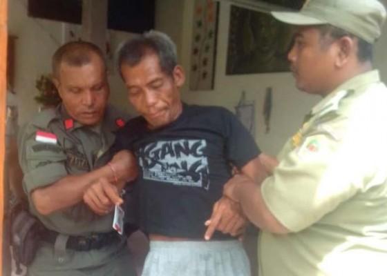 Nusabali.com - telanjang-di-tempat-umum-odgj-diamankan