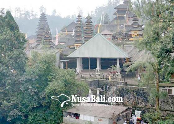 Nusabali.com - warga-besakih-kedinginan