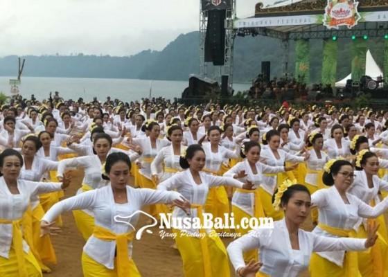 Nusabali.com - bupati-rancang-pakta-integritas-lindungi-kawasan-danau