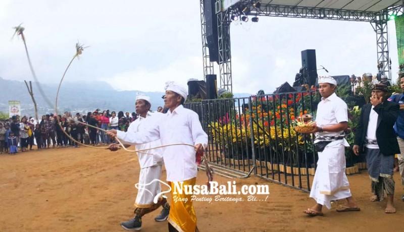 www.nusabali.com-krama-pancasari-tampilkan-tari-sakral-sang-hyang-penyalin