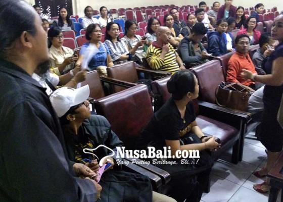 Nusabali.com - orangtua-siswa-gerudug-kantor-disdik-bali