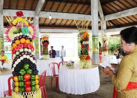 Nusabali.com - pkk-kubutambahan-juara-lomba-gebogan