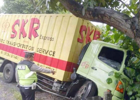 Nusabali.com - rem-blong-truk-nyungsep-ke-got