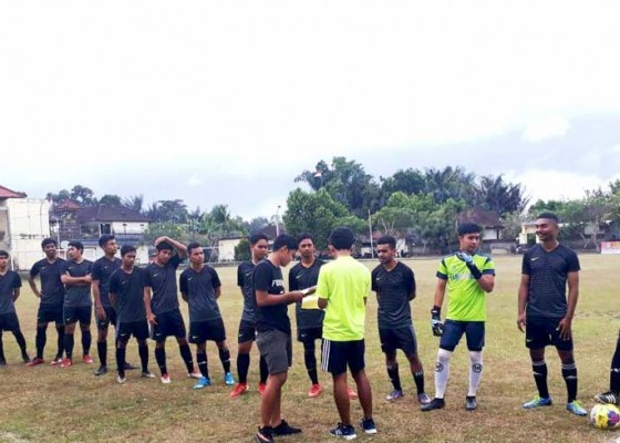 Nusabali.com - tim-unud-juara-liga-mahasiswa-bali