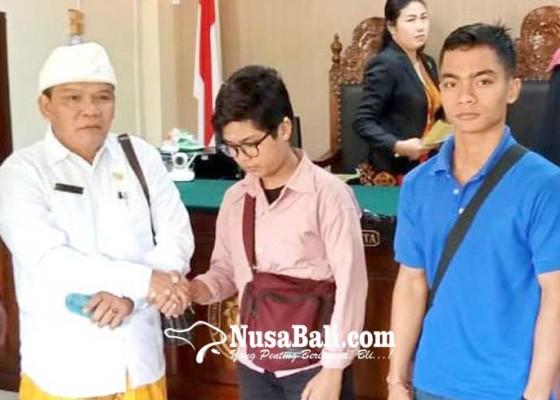 Nusabali.com - oknum-kasek-penganiaya-siswi-divonis-percobaan