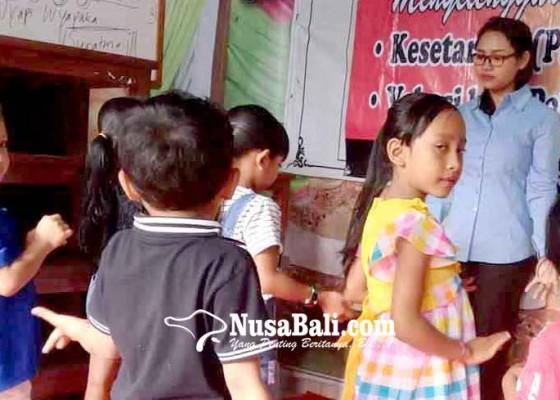 Nusabali.com - pendiri-paud-amertha-yulia-ciptakan-mars-paud-hindu