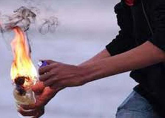 Nusabali.com - kantor-polres-magelang-dilempar-molotov