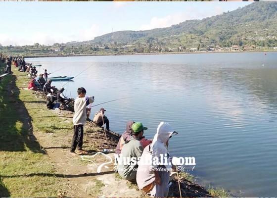 Nusabali.com - dinas-perikanan-adakan-lomba-mancing-ikan-zebra