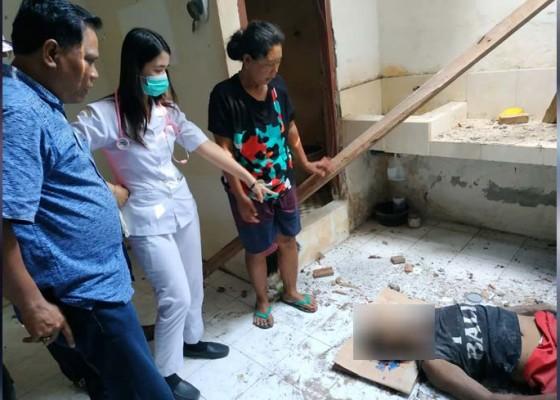 Nusabali.com - jatuh-dari-atap-buruh-tewas