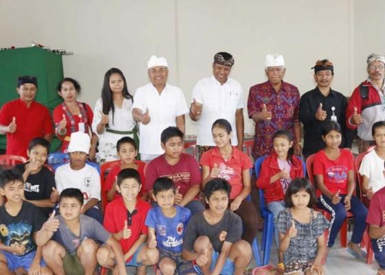 Nusabali.com - bupati-aktifkan-lagi-smp-satu-atap-dan-siap-jadi-guru-pengajar