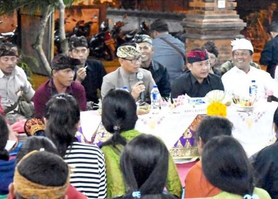 Nusabali.com - wabup-suiasa-hadiri-sosialisasi-pembangunan-pura-di-tiyingan-desa-pelaga