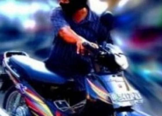 Nusabali.com - embat-motor-teman-buruh-dijuk