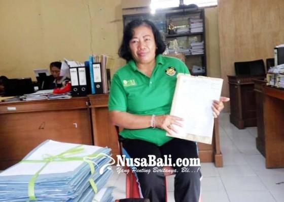 Nusabali.com - mahasiswa-bangli-digelontor-beasiswa