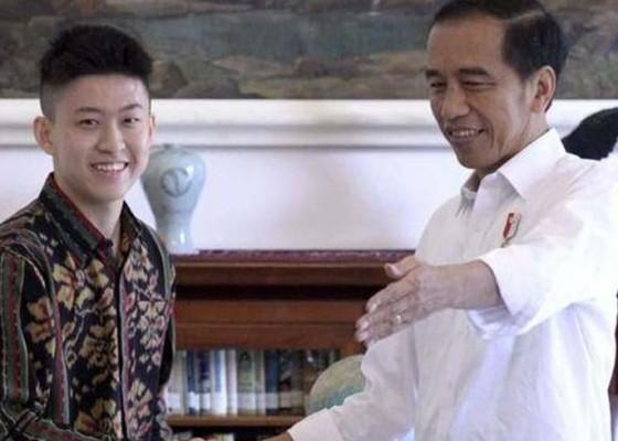 Nusabali.com - jokowi-temui-rich-brian-di-istana-bogor