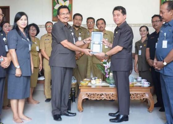 Nusabali.com - klungkung-raih-juara-ii-nasional-katagori-stand-kreatif