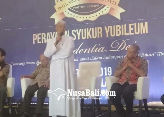 Nusabali.com - imam-pertama-asli-bali-rayakan-50-tahun-imamat