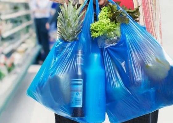 Nusabali.com - sejumlah-toko-belum-100-kurangi-plastik-sekali-pakai