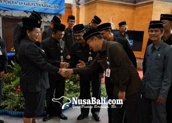 Nusabali.com - bupati-mas-sumatri-kocok-ulang-19-pejabat-eselon-ii