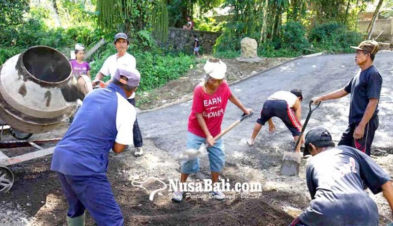 www.nusabali.com-desa-muncan-buat-jalan-beton-di-lima-banjar