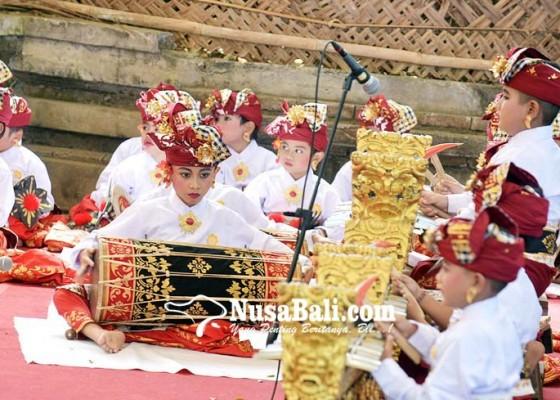 Nusabali.com - lintas-generasi-mebarung-gong-kebyar