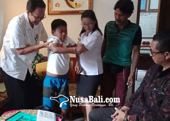 Nusabali.com - sempat-terpental-bocah-lumpuh-akhirnya-lolos-ke-smpn-1-sukawati