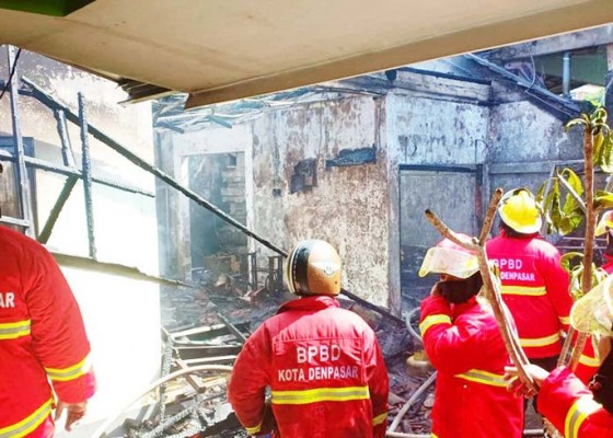 Nusabali.com - rumah-terbakar-nenek-terluka